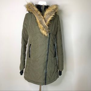 FATE Green Parka w fur hood Small